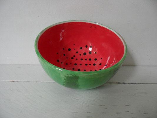 Individuell bemalte Schüssel aus Keramik