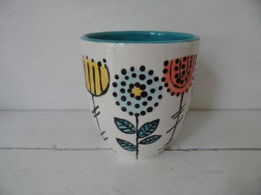 Individuell bemalte Tasse aus Keramik