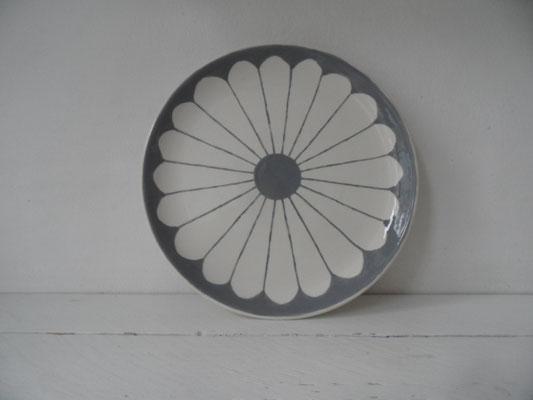 Individuell bemalter Teller aus Keramik
