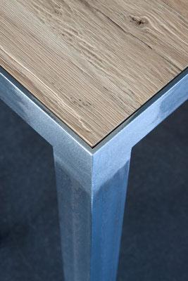 Tisch 003
