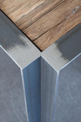 Tisch 001