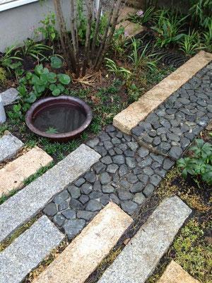 グリ石畳みと延べ石