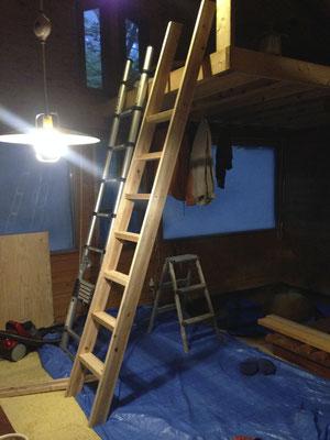 ロフトへ上る梯子