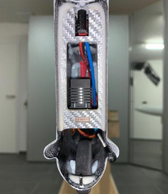 """Rumpf, Einbau-Halterung für Seitenruder-Servo und Anlenkung sowie Steckerverbindungen """"Erstellt"""""""