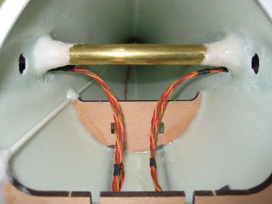 Steckungshülse-/RC-Verbindung Tragflächen