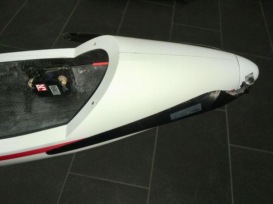 "Rumpf, Cfk-Scale-Spinner und Klapp-Propeller , ""Montieren"""