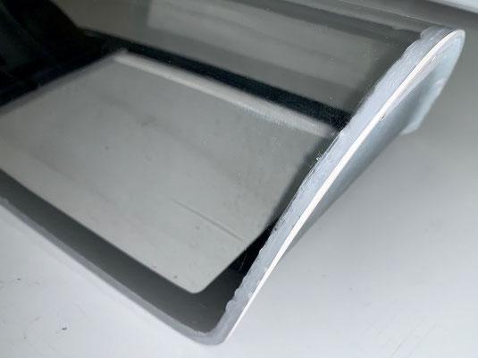 """Kabinenhaube, """"Verglasung mit 2K-Spachtel anpassen, da Verglasung teilweise zu klein!"""""""
