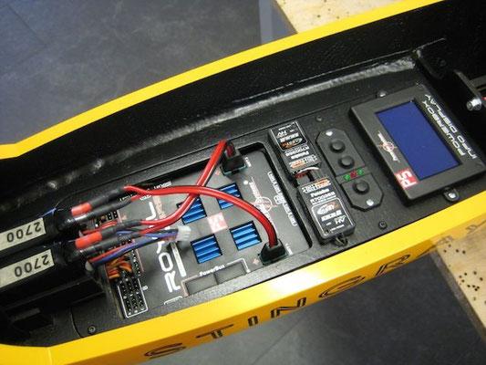 """RC-Umbau im Kabinenbereich """"PowerBox Royal SRS Weiche-/Display-/Schalter-/2x RX"""""""