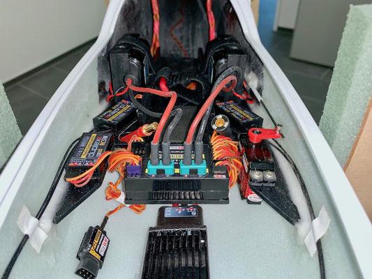 """Rumpf, RC-/Akkuhalterung mit RC-Komponenten und RX-Akkus """"Montiert"""""""