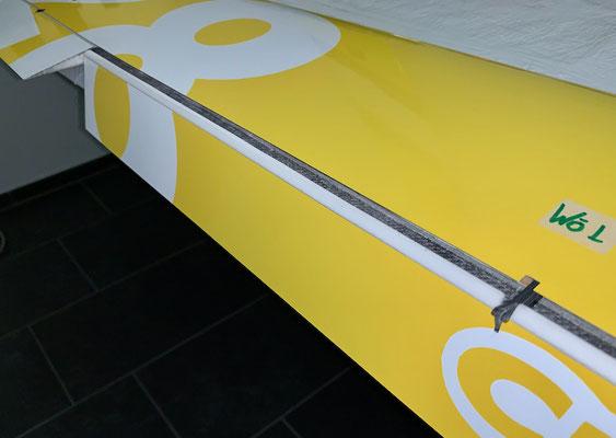 """Tragflächen, Wölb-/Bremsklappen-Servohalter und Anlenkung """"Montiert"""""""