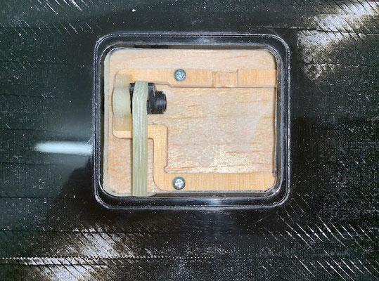 """Tragflächen """"Wölbklappen-IDS-/Servohalter montiert"""""""