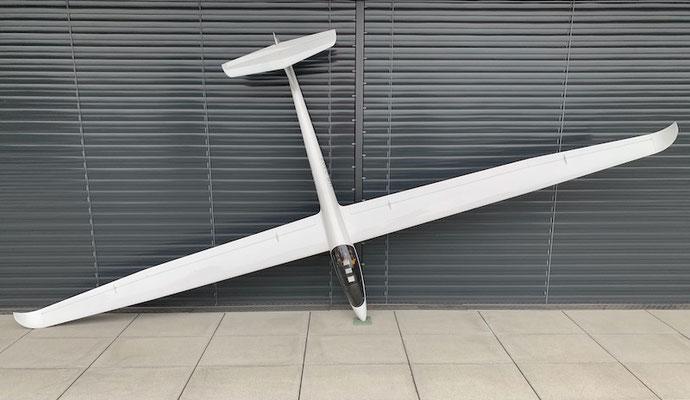 """Fertiges Modell mit 4.28m Spannweite """"Oberseite"""""""
