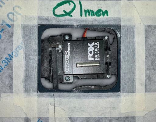"""Tragflächen, Inneres Querruder-Servo mit Halter und IDS-Anlenkung """"Montiert"""""""