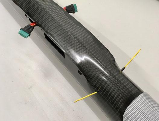 "Rumpf, RC-MPX-Steckerverbindung zu den Tragflächen und RC-Antennen ""Montiert"""