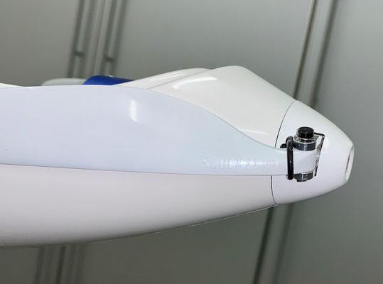 """Rumpf, CFK-Motorspant und Antrieb sowie Spinner mit Propeller  """"Montiert"""""""