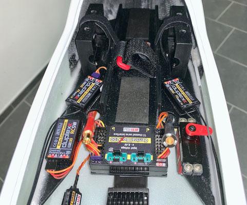 """Rumpf, RC-/Akkuhalterung mit RC-Komponenten """"Montiert"""""""