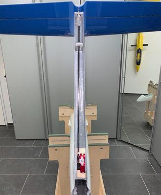"Rumpf, Höhenruder-Servo-/Anlenkung ""Montiert"""
