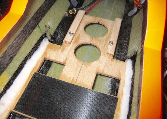 Detail Reglerhalter RC-Einbaubrett