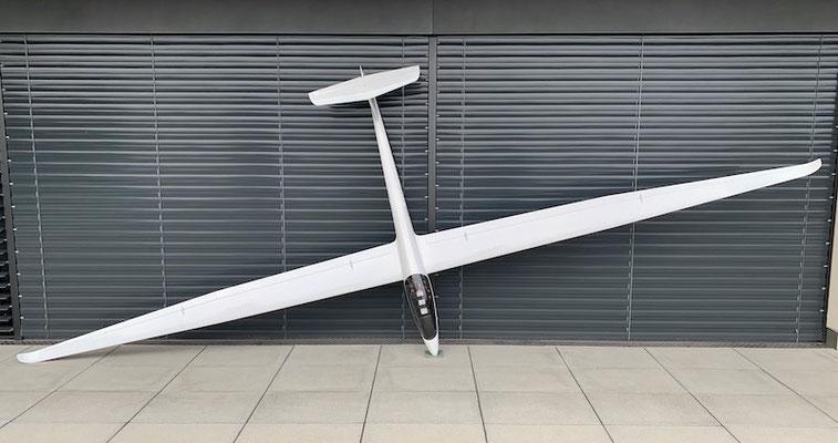 """Fertiges Modell mit 5.13m Spannweite """"Oberseite"""""""