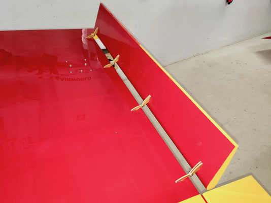Tragfläche, Detail Landeklappen gesetzt!