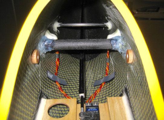 Rumpfseitige Innenansicht im Bereich Tragflächenaufnahme