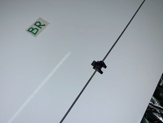 """Tragflächen, Bremsklappen-Servo mit IDS-Anlenkung """"Montiert"""""""