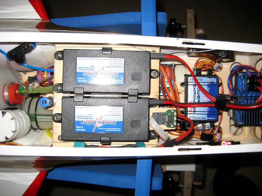 Detail RC-Akkus/Tankventil/Turbinen Board in Obere Ebene