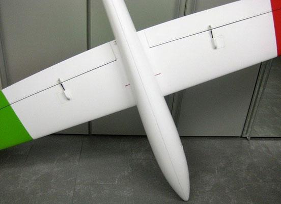"""Fertiges Modell """"Tragfläche Unterseite Mittelteil"""""""