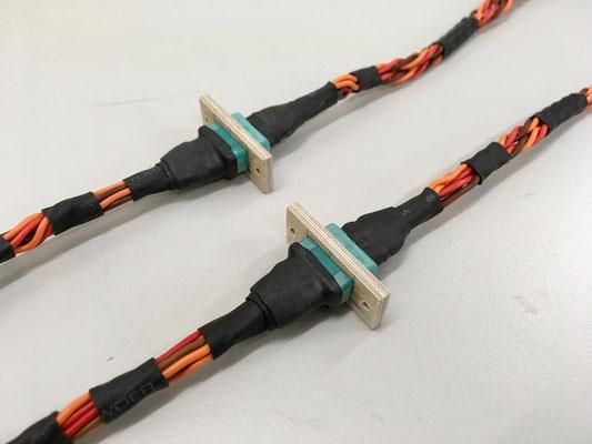 """Kabelbaum mit MPX-Steckerverbindung Rumpf-Tragfläche """"Erstellt"""""""