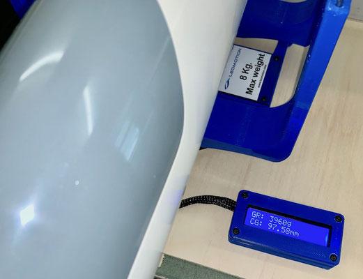 Rumpf, Schwerpunkt/CG und Gesamtgewicht mit 3S-Lipo (390g)