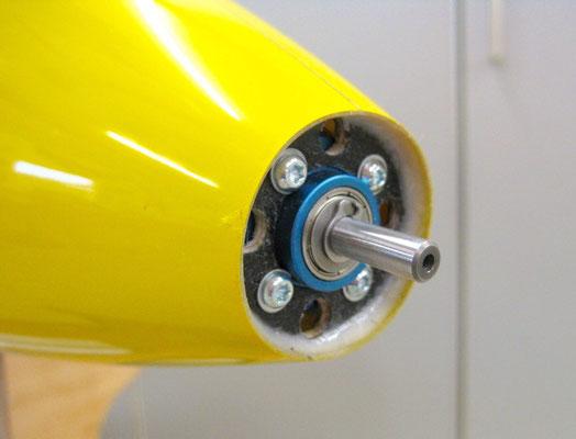 Motorspannt (CFK-verstärkt) und Motor montiert von Aussen