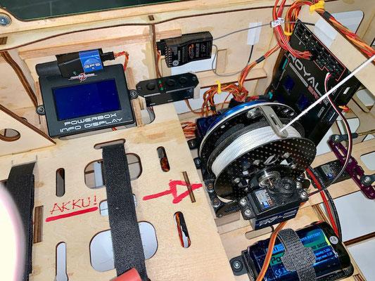 Rumpf, Umplatzierung Akkuweiche-/Display-/Schaltgeber um den CG-120mm ohne Blei im Heck zu erreichen!