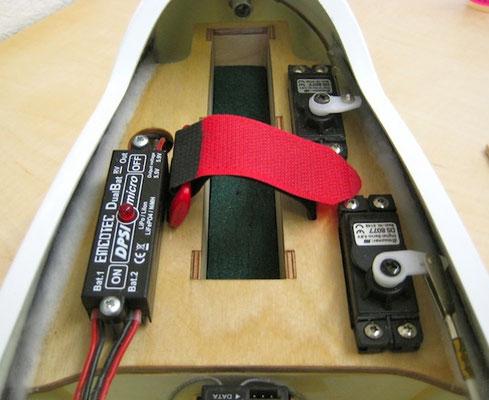 RC-Montagebrett mit DPSI Micro, Klinken-/Seitenruder-Servo