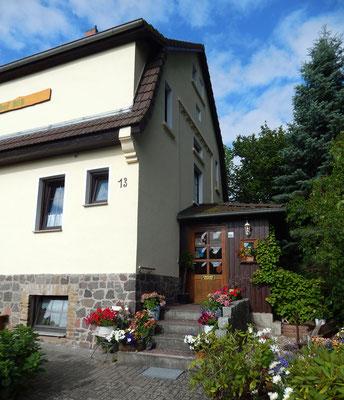 Eingang Wiesenhof.