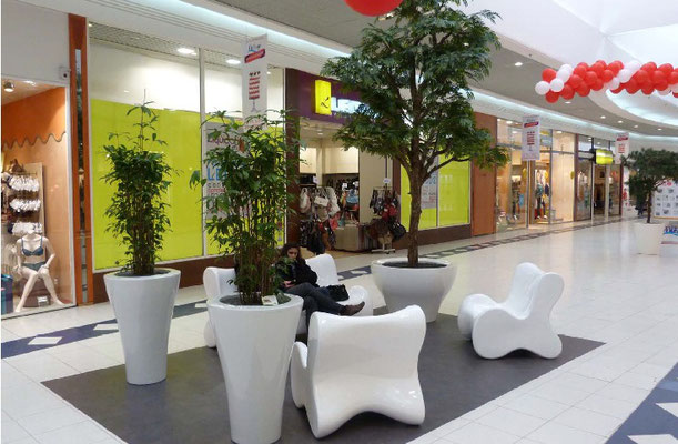 Am nagement centre commercial mat riaux de construction for Arbre decoration interieur