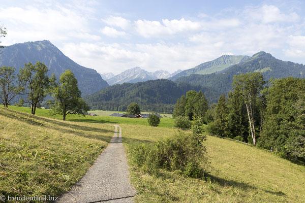 barrierefreier Wanderweg bei Oberstdorf