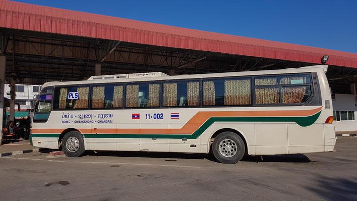 Bus von Chiang Rai nach Bokeo