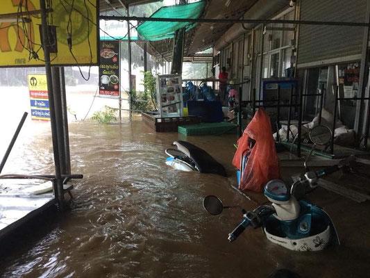 verheerende Bilder noch während den Regenfällen