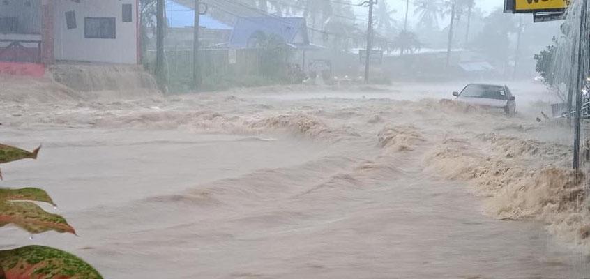 sintflutartige Regenfälle - gegen die Natur ist man machtlos