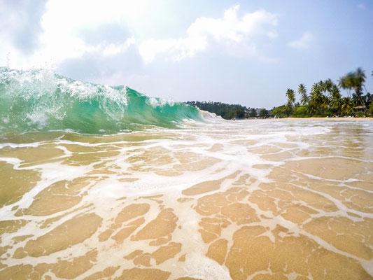 starker Wellengang in Mirissa ist normal