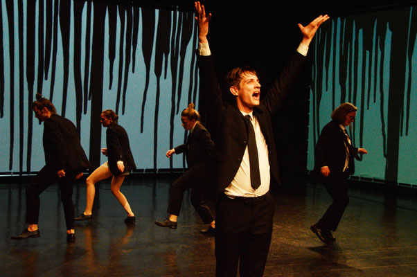 Swing. Dance to the right_aktionstheater ensemble (c) Gerhard Breitwieser