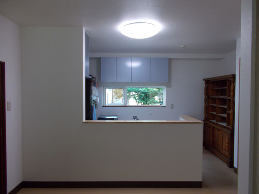 対面式キッチンで居間まで見渡せます