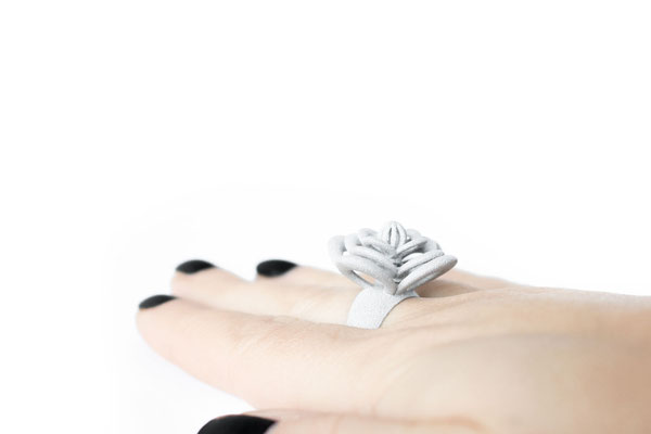 Nobahar Design Milano contemporary design  jewelry - MyLittlePerfume - grey flower ring