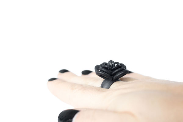 Nobahar Design Milano contemporary design  jewelry - MyLittlePerfume - black flower ring
