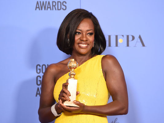 VIOLA DAVIS in Harry Winston bracelet