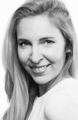 Stephanie Lesch - Mezzo - Deutsche Oper am Rhein Düsseldorf als Gast