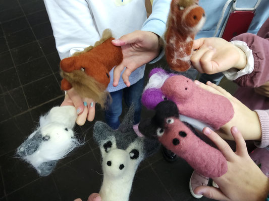 Fingerspielpuppen Einhörner und Pferde
