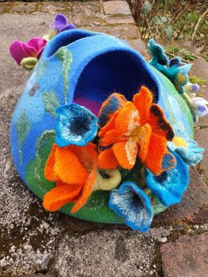 Blütenkorb nassgefilzt