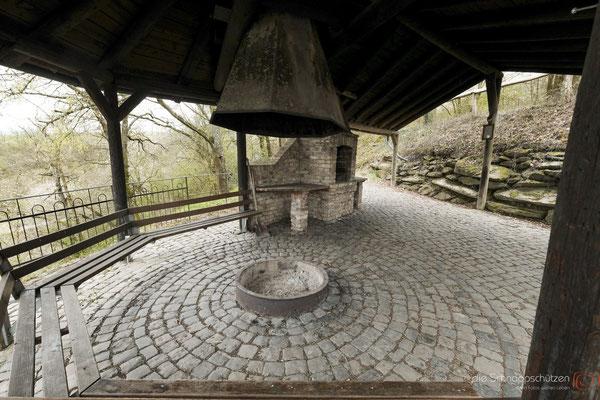 Grillplatz mit Feuerstelle bei Knaub #Heimatverein Rheingold #grillplatz #knaub #sauzahn #oberwesel #oberesmittelrheintal #rheintal #rheingold langscheid | (c) die Schnappschützen