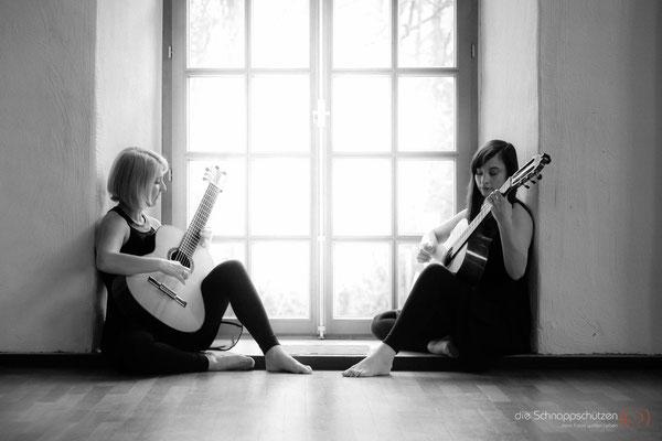 #künstlerfotos #künstlershooting #gitarrenduo #weimersisters #flamencoguitar | (c) die Schnappschützen